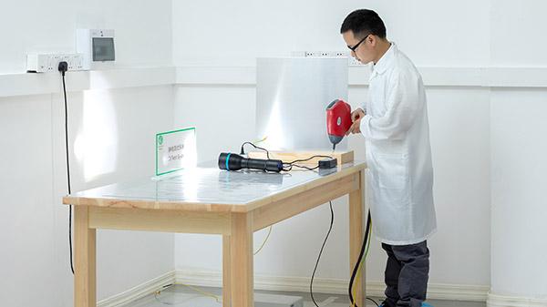 静电放电测试